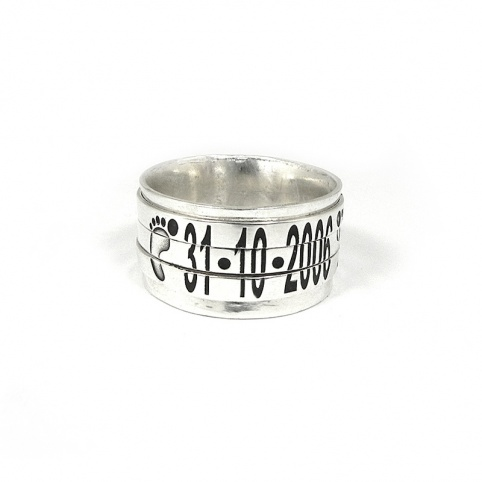 Spinner ring with monogram and date