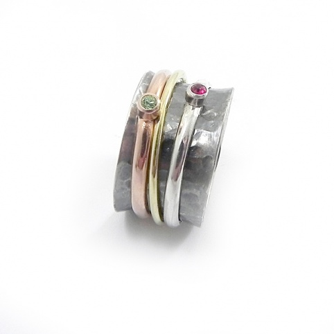 Silver ring 10mm with 3 swarovski spinners