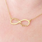 "Infinity necklace with the words ""Μαμά σαγαπω"""